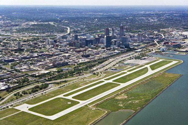 Premier Business Airport in Cleveland | Burke Lakefront ...